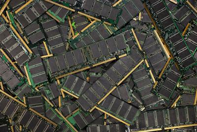 Many DDR ram modules